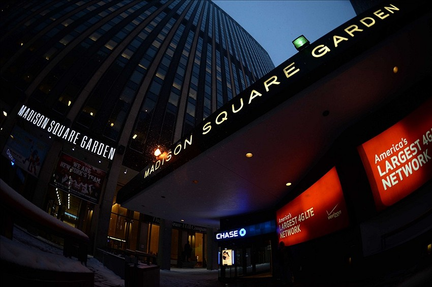 Jan 21, 2014; New York, NY, USA; A General View Outside Of Madison Square  Garden Before The Start Of The Game Between The New York Rangers And The  New York ...